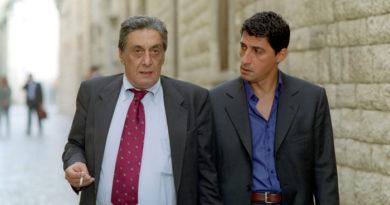 Lutto nello spettacolo, è morto l'attore Flavio Bucci