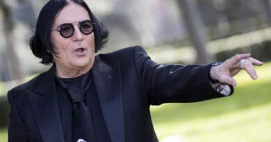 """Renato Zero, """"I miei 70? Una rinascita"""""""