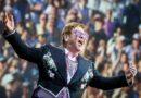 Elton John festeggia 74 anni e pubblica in digitale 6 rarità